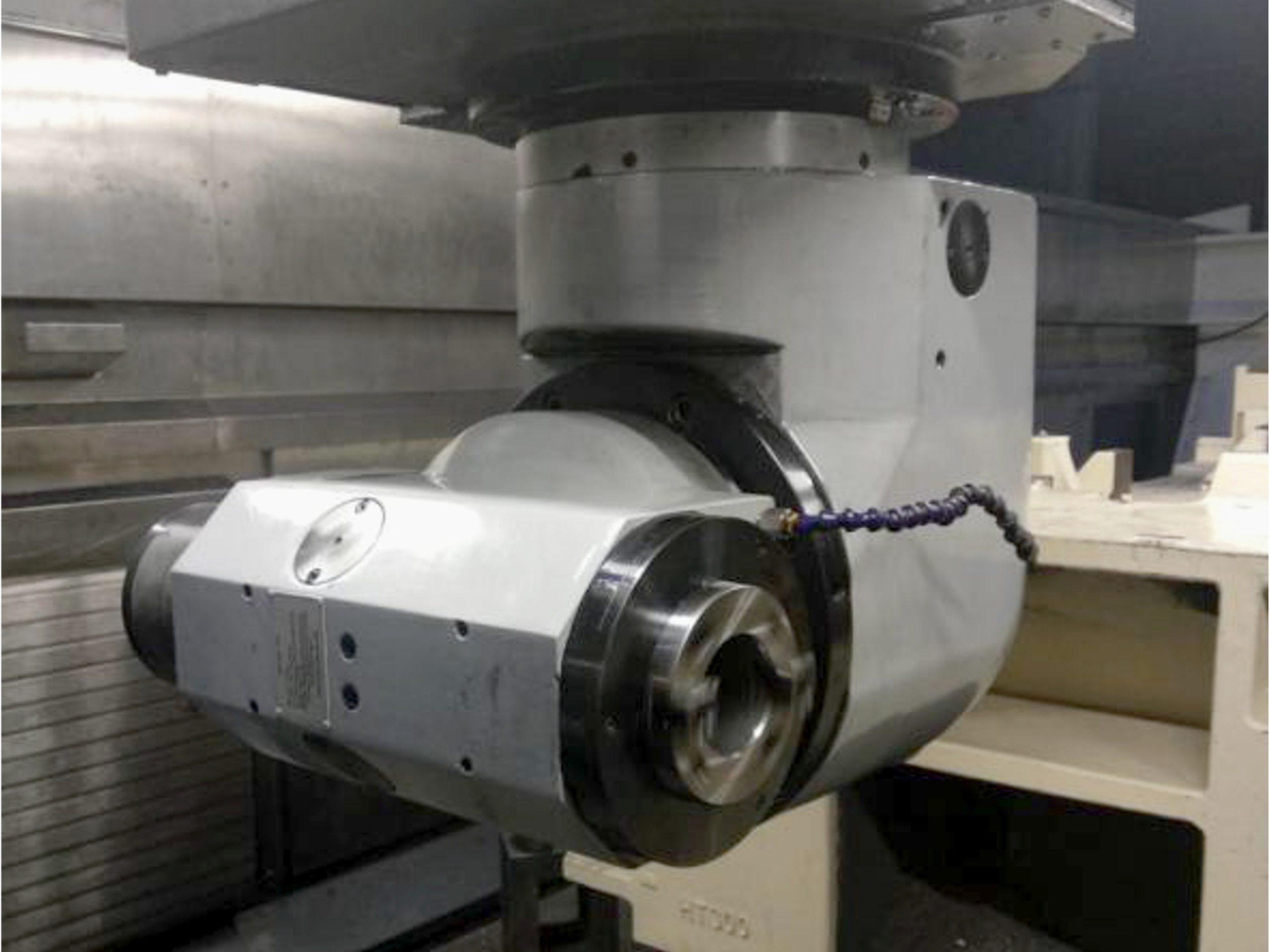 EMENA cabezal de fresado milling head CVOI en maquina 2